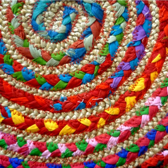 ROUND MULTI COLOUR COTTON JUTE BRAIDED RAG RUG RECYCLED MATERIALS  FAIR TRADE GoodWeave
