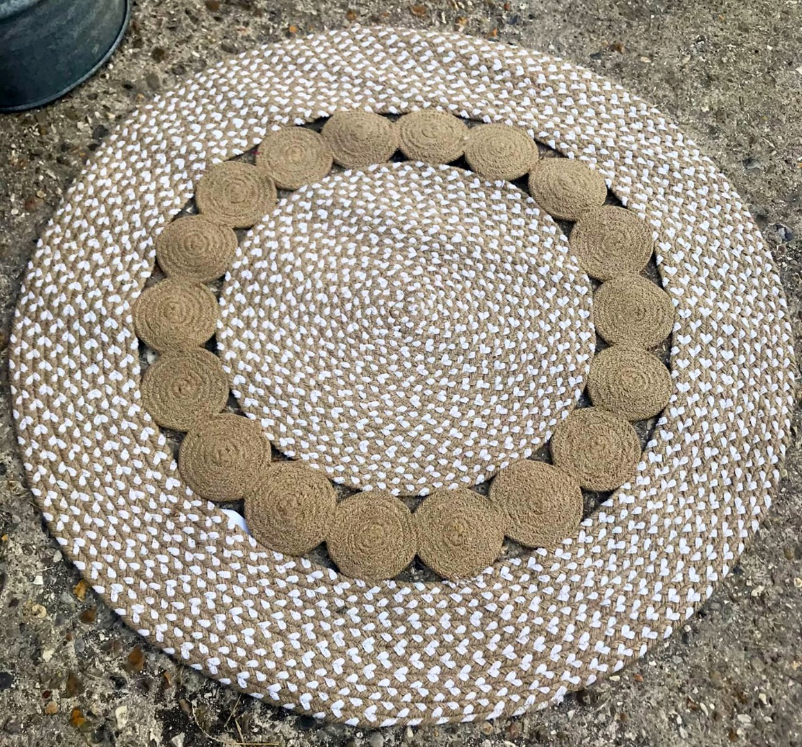Round jute and cotton patterned rug 90cm and 120cm diameter